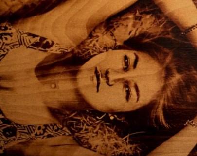 портрет на дереве на заказ в Ижевске